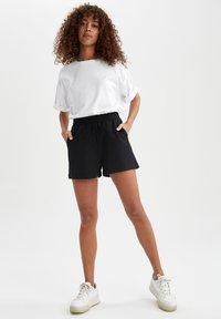 DeFacto - 2 PACK - Shorts - black - 1