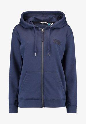 Zip-up hoodie - scale