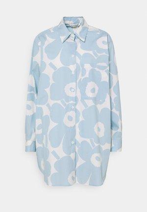 NORKKO PIENI UNIKKO - Button-down blouse - off-white/light blue