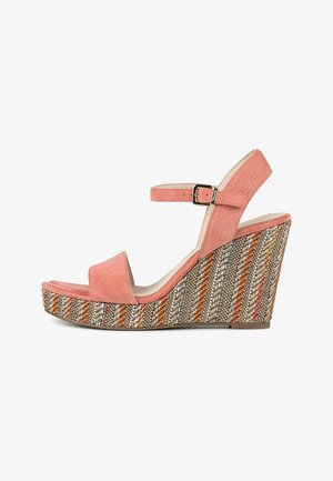 Wedges - apricot