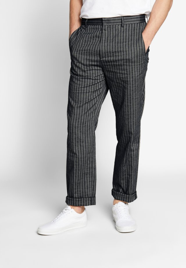 SHOT TROUSER - Pantalones - grey