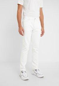 Outerknown - DRIFTER - Slim fit jeans - salt - 0