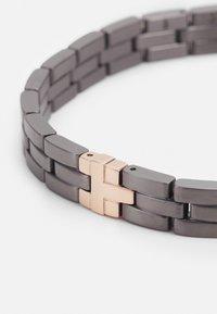Tommy Hilfiger - CHUNKY BRACELET  - Bracelet - grey - 2