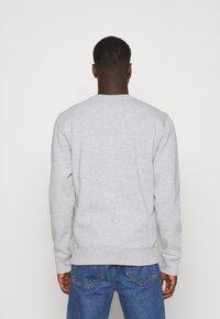 Tommy Jeans - LINEAR LOGO CREW - Sweatshirt - grey - 2