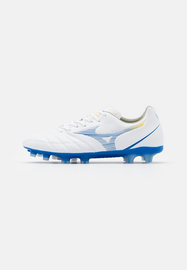 REBULA CUP PRO - Moulded stud football boots - white