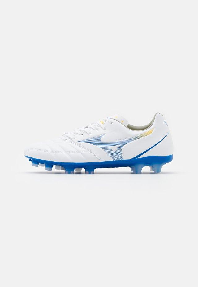 REBULA CUP PRO - Voetbalschoenen met kunststof noppen - white