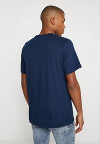 Reebok Classic - BIG LOGO TEE - T-shirt imprimé - conavy - 2