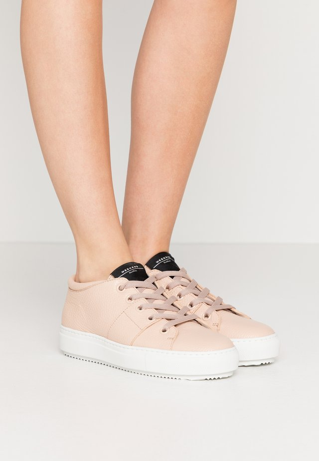 LUCILLA - Sneakers basse - rosa