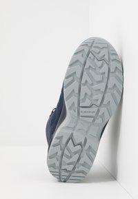 Lowa - INNOX EVO GTX QC JUNIOR UNISEX - Hiking shoes - navy/türkis - 5