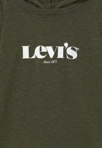 Levi's® - HOODED LOGO GRAPHIC  - Overal - olive night heather - 2