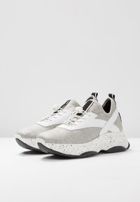 Steven New York - FRANCY - Trainers - white