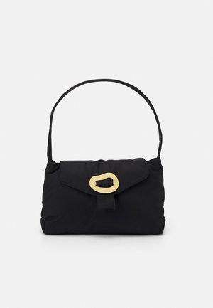 BILLOW - Käsilaukku - black