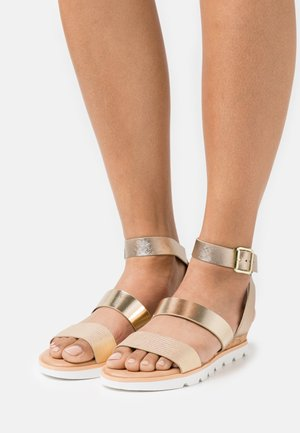 WICINIA - Wedge sandals - champagne