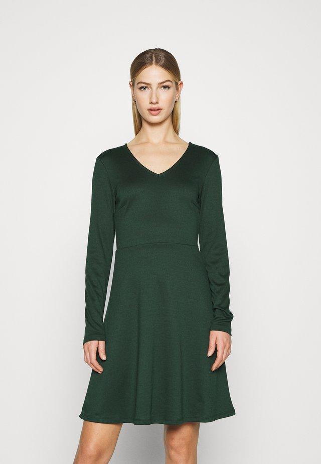 VITINNY  DOLL DRESS - Jersey dress - pine grove
