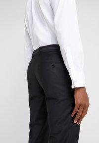 KARL LAGERFELD - SUIT VIBRANT - Dress - black - 8