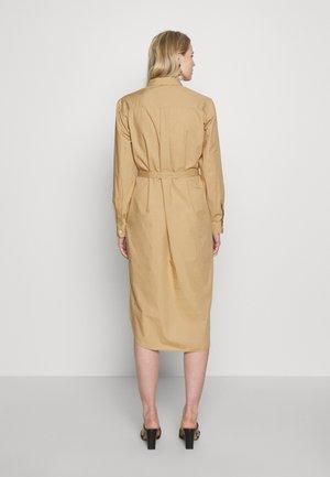 SHIRTDRESS - Robe chemise - mojave