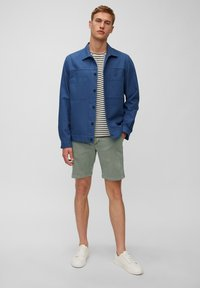 Marc O'Polo - SLIM FIT PIPED BACK POCKET - Shorts - found fossil - 1