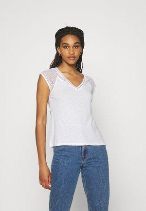DELAN - Print T-shirt - off white