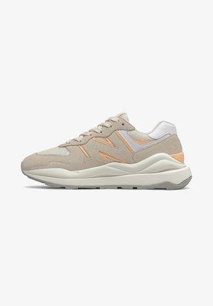 57/40 - Sneakers laag - angora/light mango