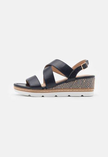 Sandalias con plataforma - dark blue