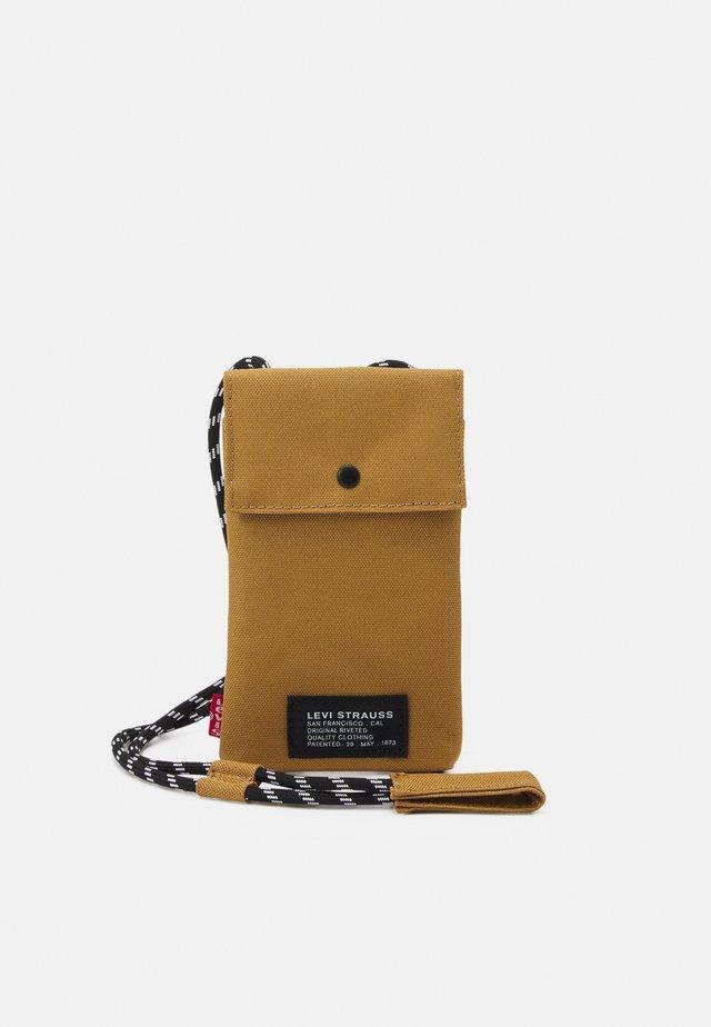 LANYARD BAG UNISEX - Across body bag - regular khaki