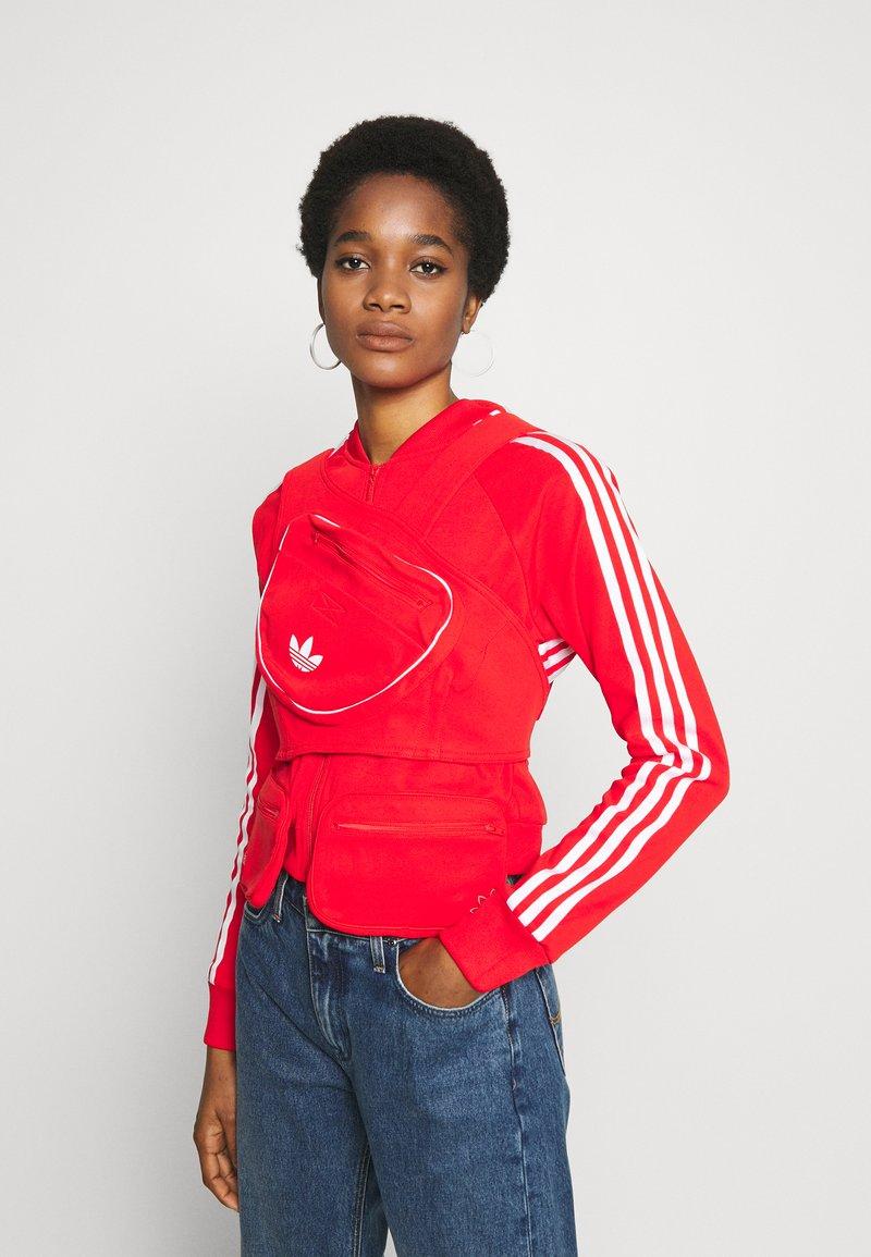 adidas Originals - Trainingsvest - red