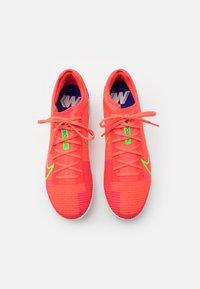 Nike Performance - MERCURIAL ZOOM VAPOR 14 PRO TF - Astro turf trainers - bright crimson/metallic silver - 3