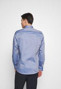 OLYMP Level Five - OLYMP LEVEL 5 BODY FIT  - Formal shirt - marine - 2