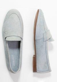 Anna Field - LEATHER SLIPPERS - Półbuty wsuwane - light blue - 3