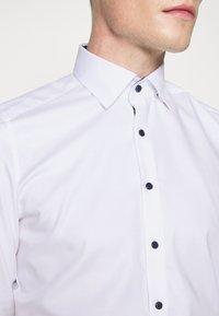 OLYMP Level Five - BODY FIT - Formal shirt - weiß - 5