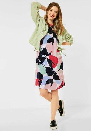 MIT PRINT - Day dress - rot