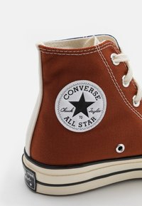 Converse - CHUCK 70 TRI BLOCK UNISEX - Sneakersy wysokie - cedar bark/midnight navy/egret - 5