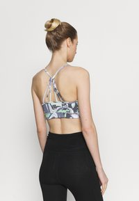 DKNY - PRINTED STRAPPY FRONT BRA REMOVABLE CUPS - Light support sports bra - spearmint - 2