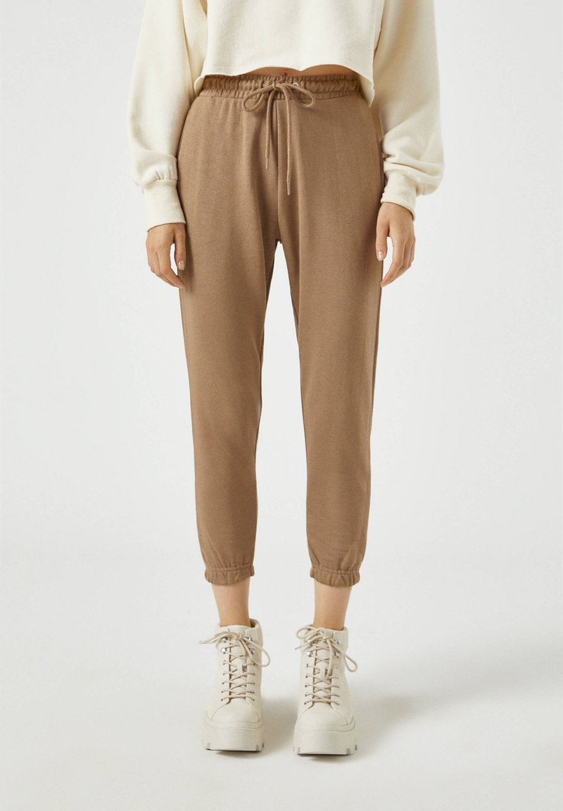PULL&BEAR - Tracksuit bottoms - brown