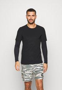 Björn Borg - AVERY TEE - Print T-shirt - black beauty - 0