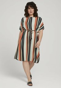 MY TRUE ME TOM TAILOR - DRESS KEYHOLE NECKLINE BELTED - Day dress - multicolor sahara - 1