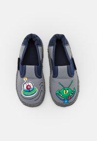 Nanga - UFO - First shoes - mittelgrau - 3