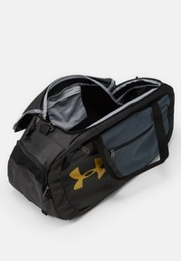 Under Armour - UNDENIABLE DUFFLE - Sportstasker - black - 3