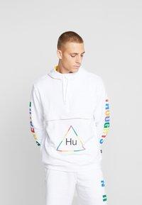 adidas Originals - PHARRELL WILLIAMS 3 STREIFEN HOODIE - Huppari - white - 0
