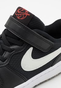 Nike Sportswear - COURT BOROUGH 2 UNISEX - Trainers - black/white/bright crimson - 5
