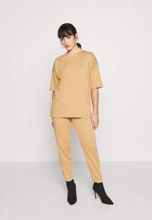 SET - Tracksuit bottoms - indian tan