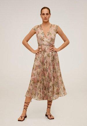 BALLET - Korte jurk - cremeweiß