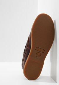 Timberland - SEABURY CLASSIC EYE BOAT - Boat shoes - dark brown - 2