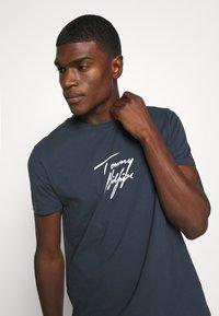 Tommy Hilfiger - TEE LOGO - Pyjama top - blue - 3