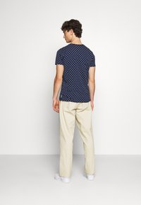 Scotch & Soda - ALLOVER PRINTED TEE - T-shirt print - dark blue/white - 2