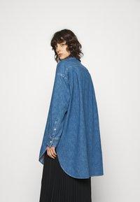 ARKET - SHIRT - Skjorta - mid blue wash - 2