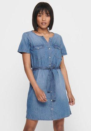 KNOPFLEISTEN - Sukienka koszulowa - medium blue denim