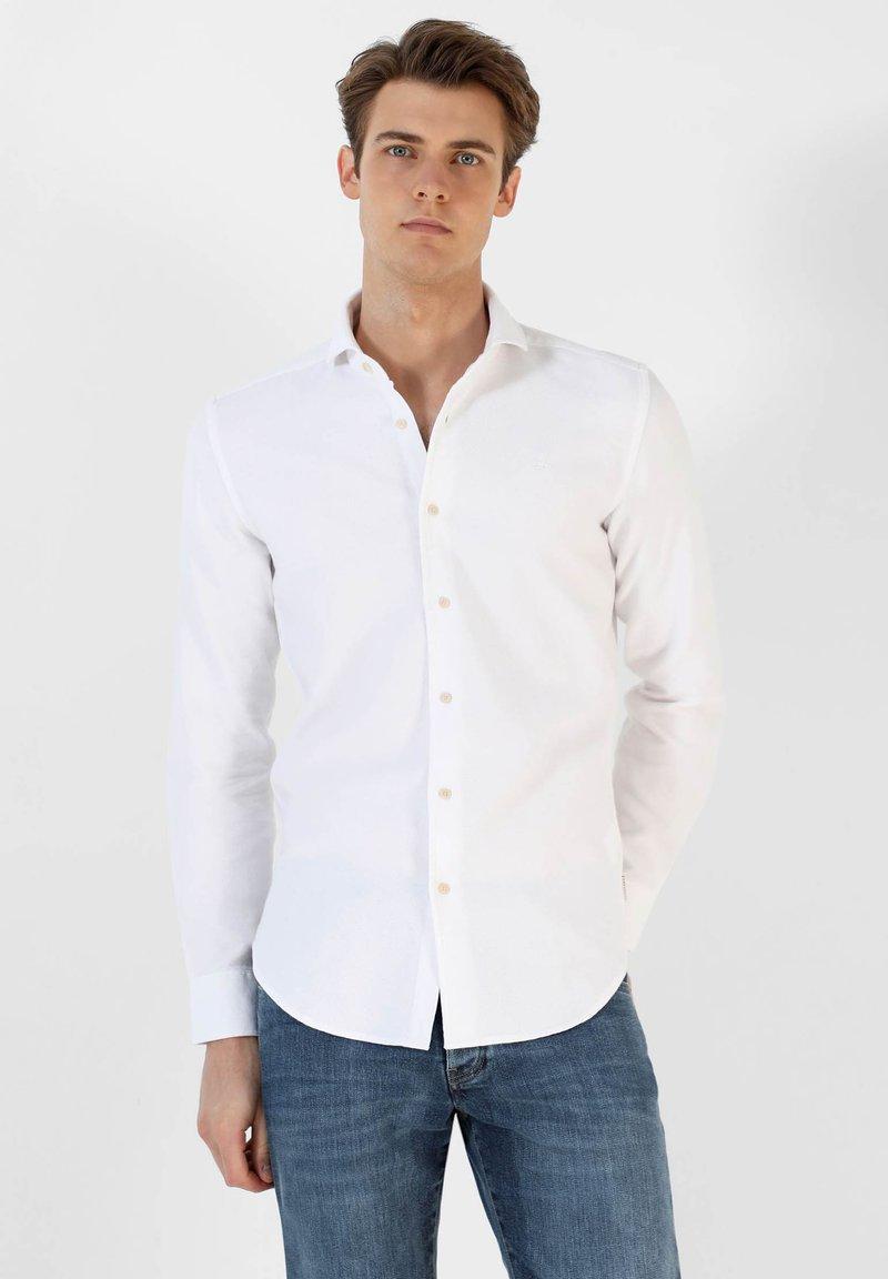 Scalpers - Shirt - white