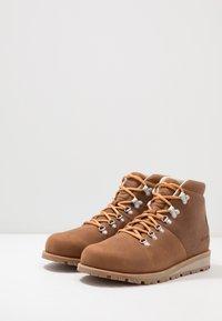 Merrell - WILDERNESS WATERPROOF - Trekking boots/ Trekking støvler - oak - 2