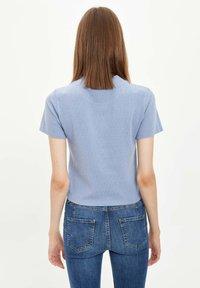 DeFacto - Basic T-shirt - blue - 2